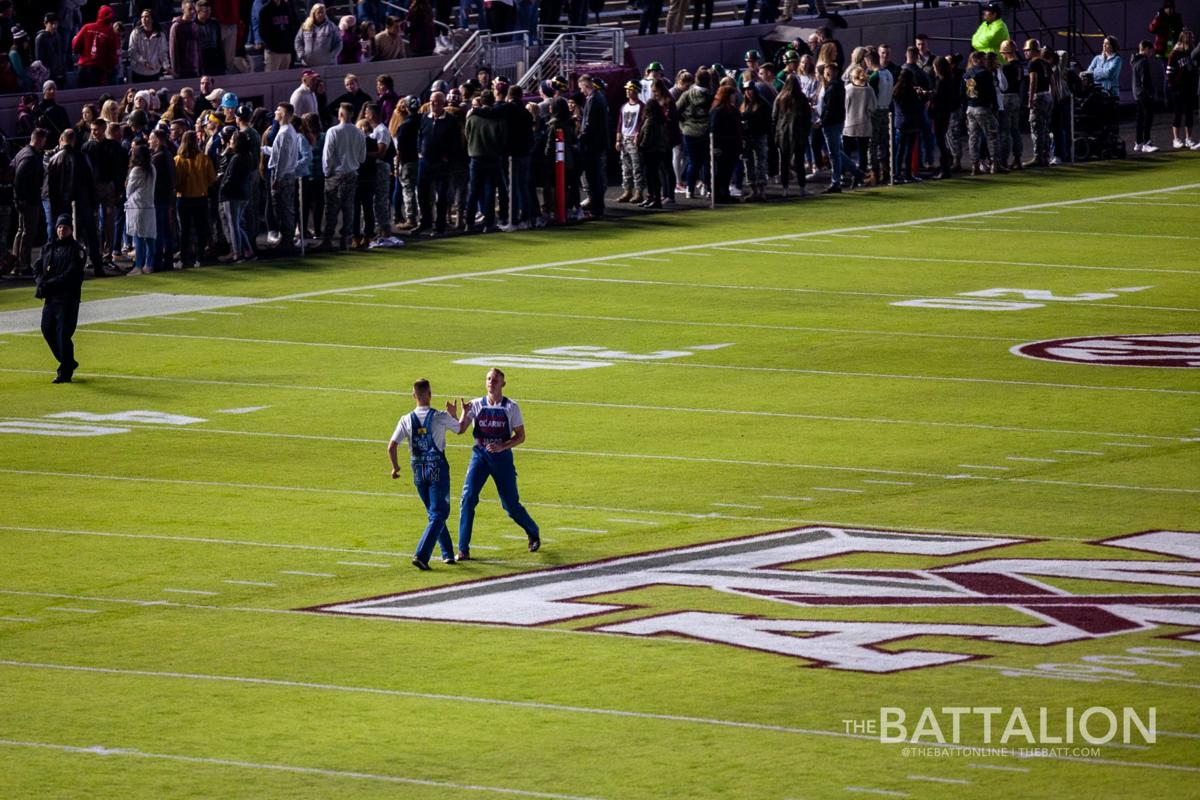 Midnight Yell vs. South Carolina