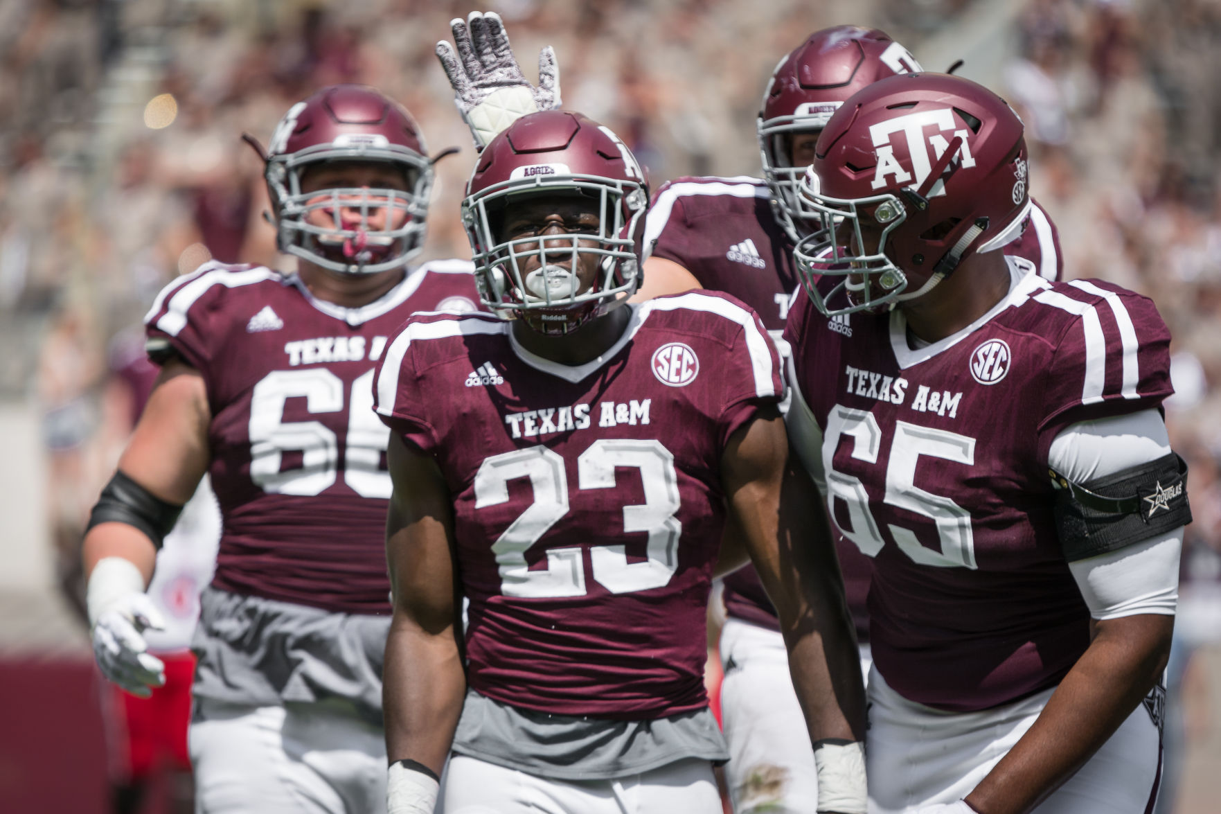 Texas A&M freshman Will Gunnell apologizes for 'ill-advised' gesture at fans