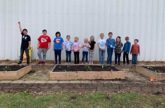 Greenbrier's Eastside Elementary plants first crop in new community garden 1