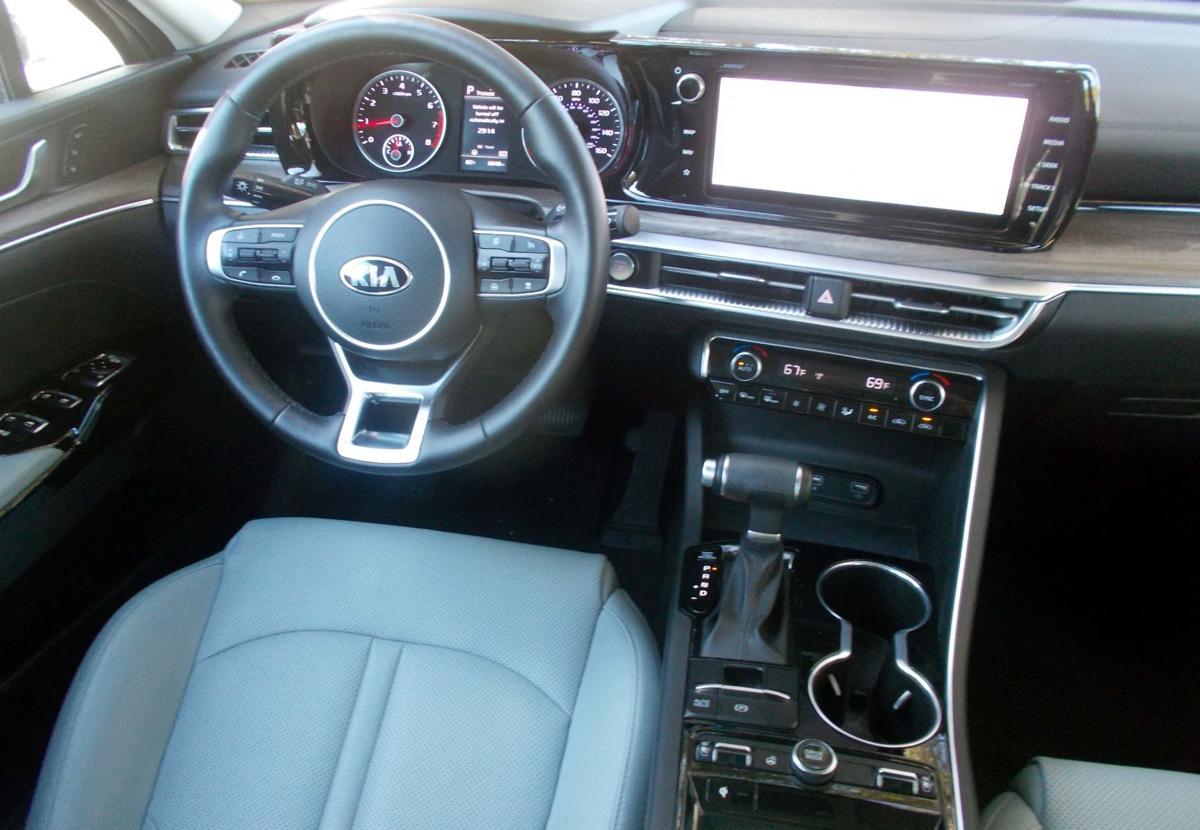 2021 Kia K5 interior.jpg