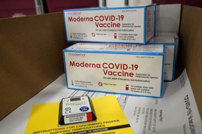 APTOPIX Virus Outbreak Moderna Vaccine