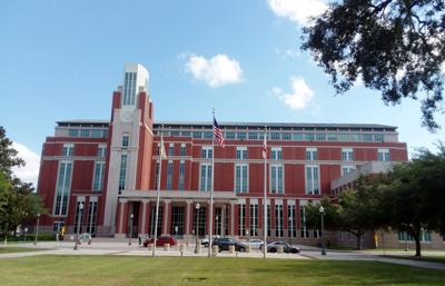 FILE - FL Osceola Courthouse