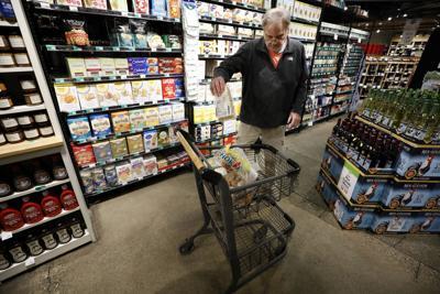 FILE Virus Outbreak Last States, Iowa, grocery store, 2020