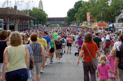 St.,Paul,-,August,26:,Large,Crowds,Fill,The,Street