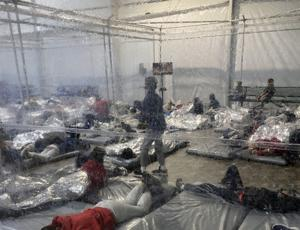 Gov. Abbott directs more state resources to deal with humanitarian crisis at border as photos show crowded conditions