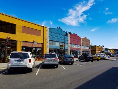 FILE - Oak Harbor stores