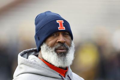 FILE – Illinois football coach Lovie Smith