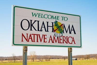 Welcome,Ot,Oklahoma,Sign,On,A,Sunny,Blue,Sky,Day