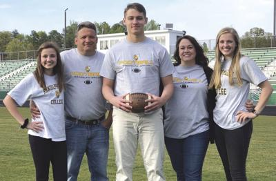 Louisa long snapper joins Yellow Jackets
