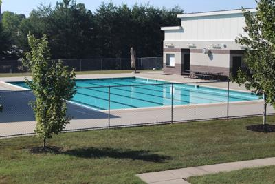 New push to pay for roof over aquatics center