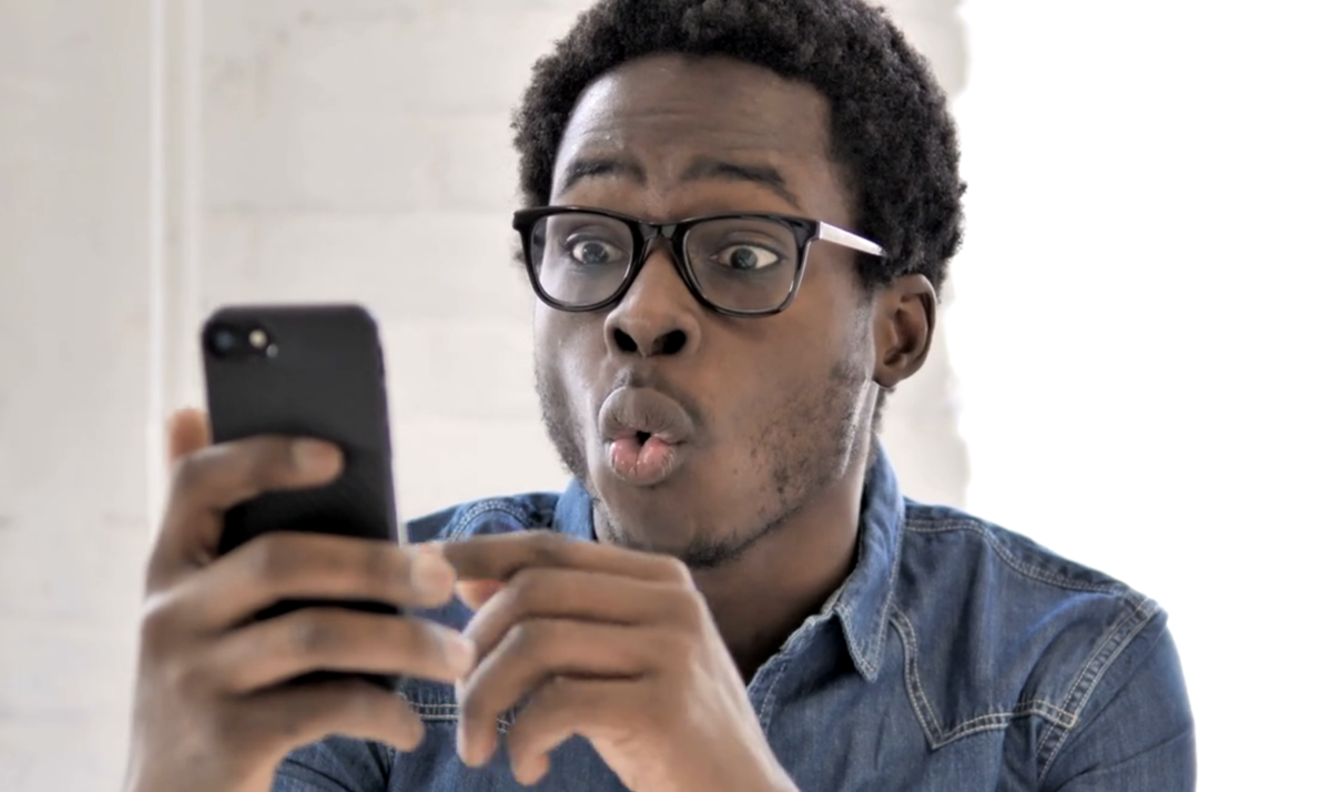 Shocked_Man_Cell_Phone