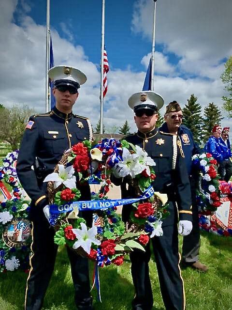 Cheyenne police lay wreaths photo