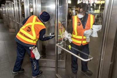 MTA_workers_masks