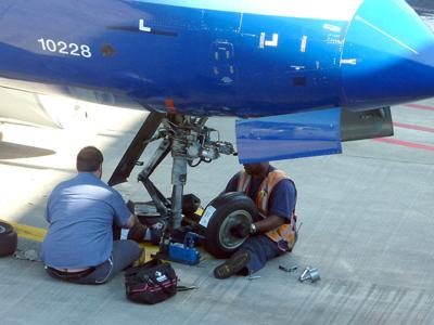 airline mechanics