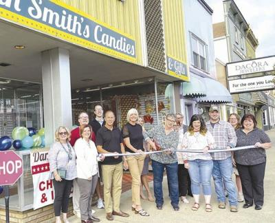 Dan Smith's Candies opens new store