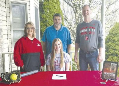 Constantino commits to Grove City softball