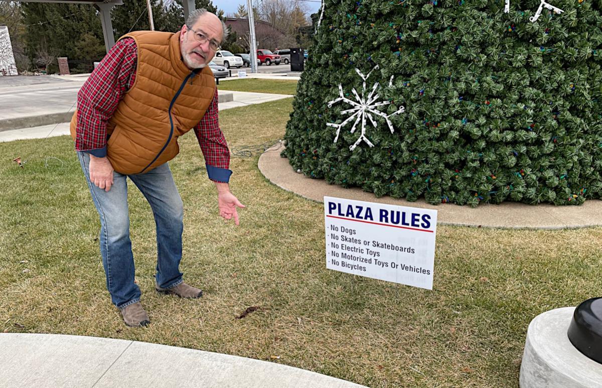 1400 Plaza abuse