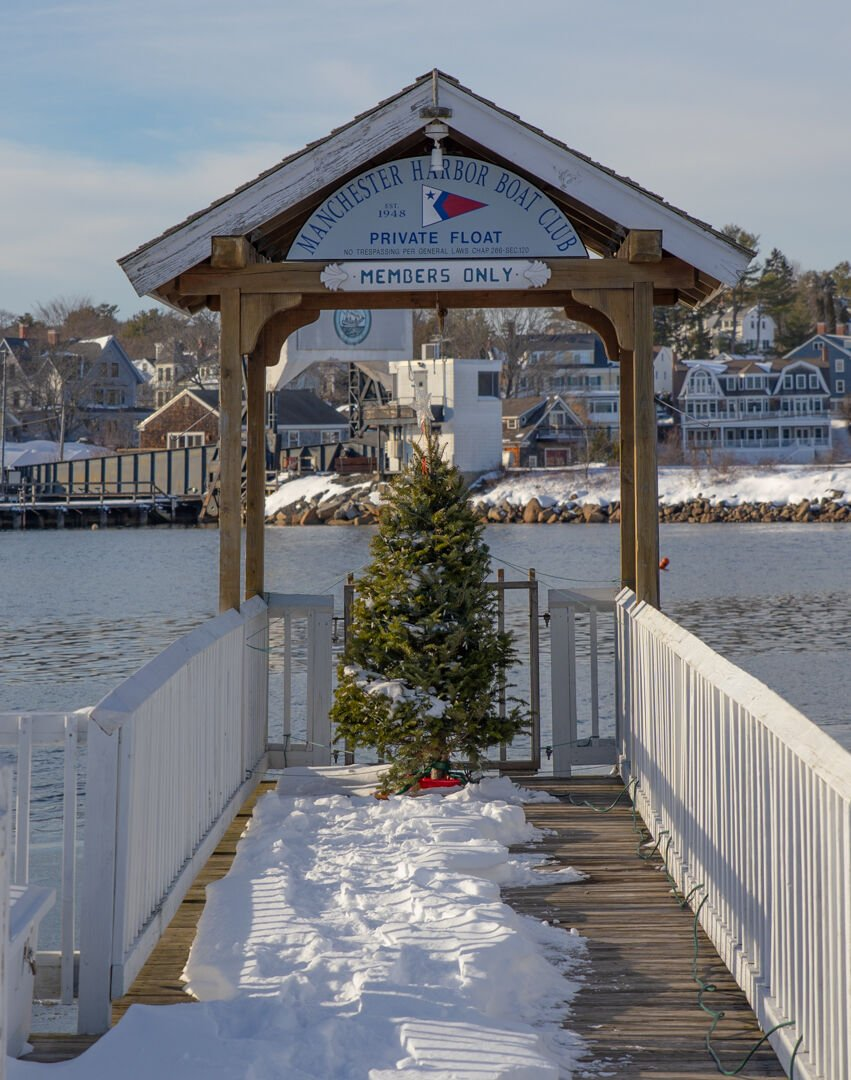 A Lovely Christmas Greeting on the Water