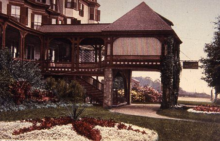 The Oceanside Hotel's Beautiful Drive Up Entrance