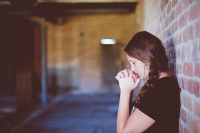 Gitl Praying Wall.jpg