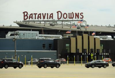 Batavia Downs cleared to reopen