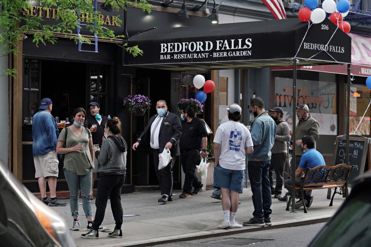 Cuomo cracks down on bars, restaurants