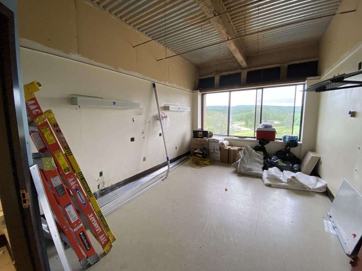 Noyes begins $1.1M surgical floor reno