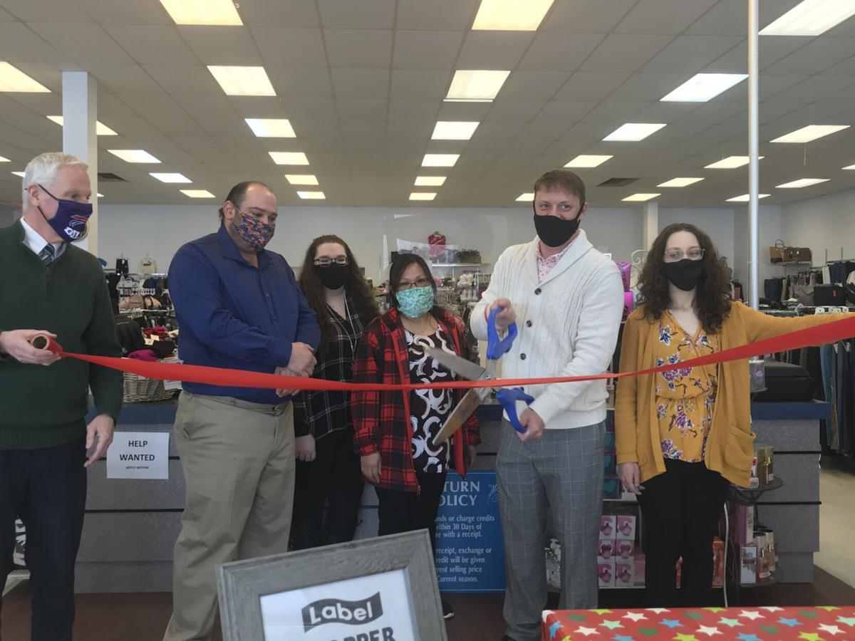 Ribbon cutting for Label Shopper