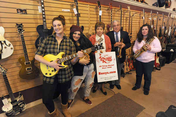 Iconic Batavia store owner remembered