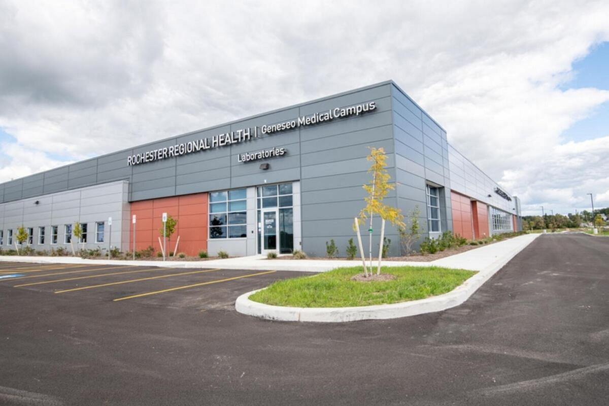 New medical center opens in Geneseo