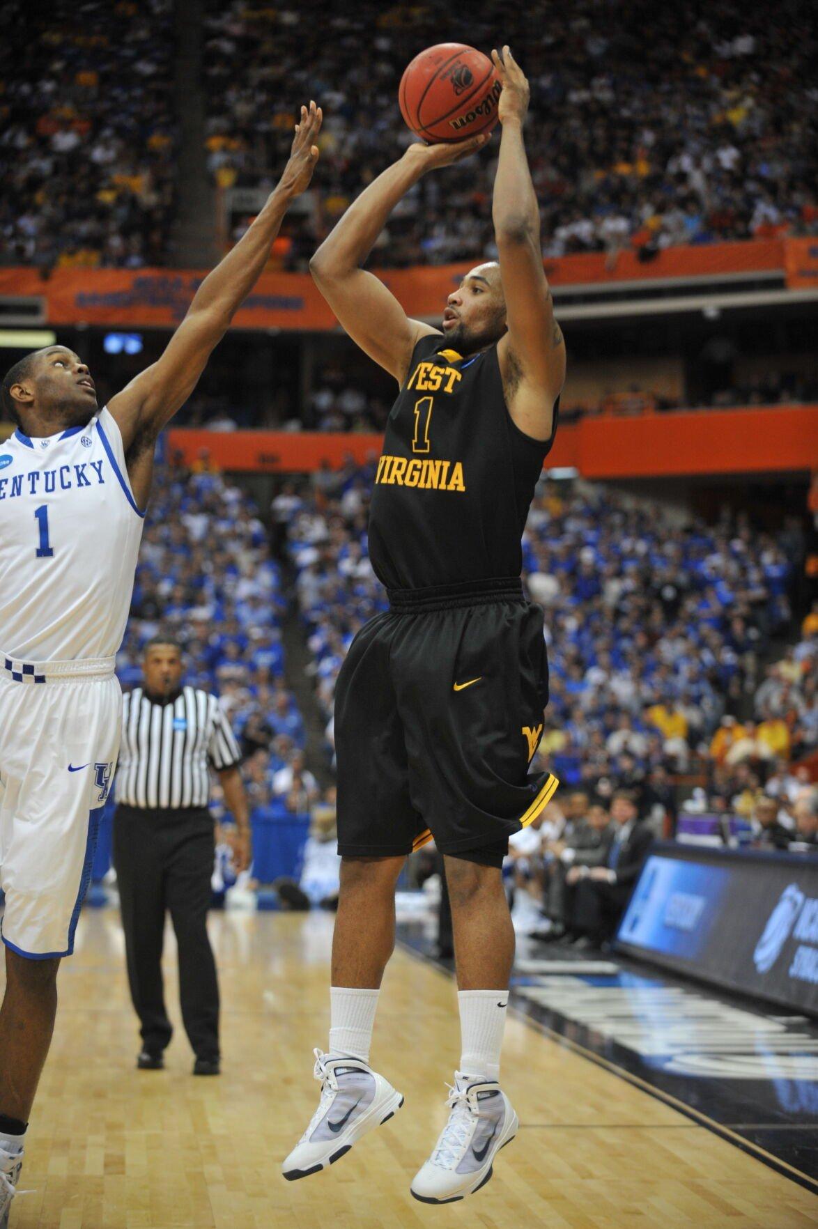 Da'Sean Butler attempts a jump shot against Kentucky.