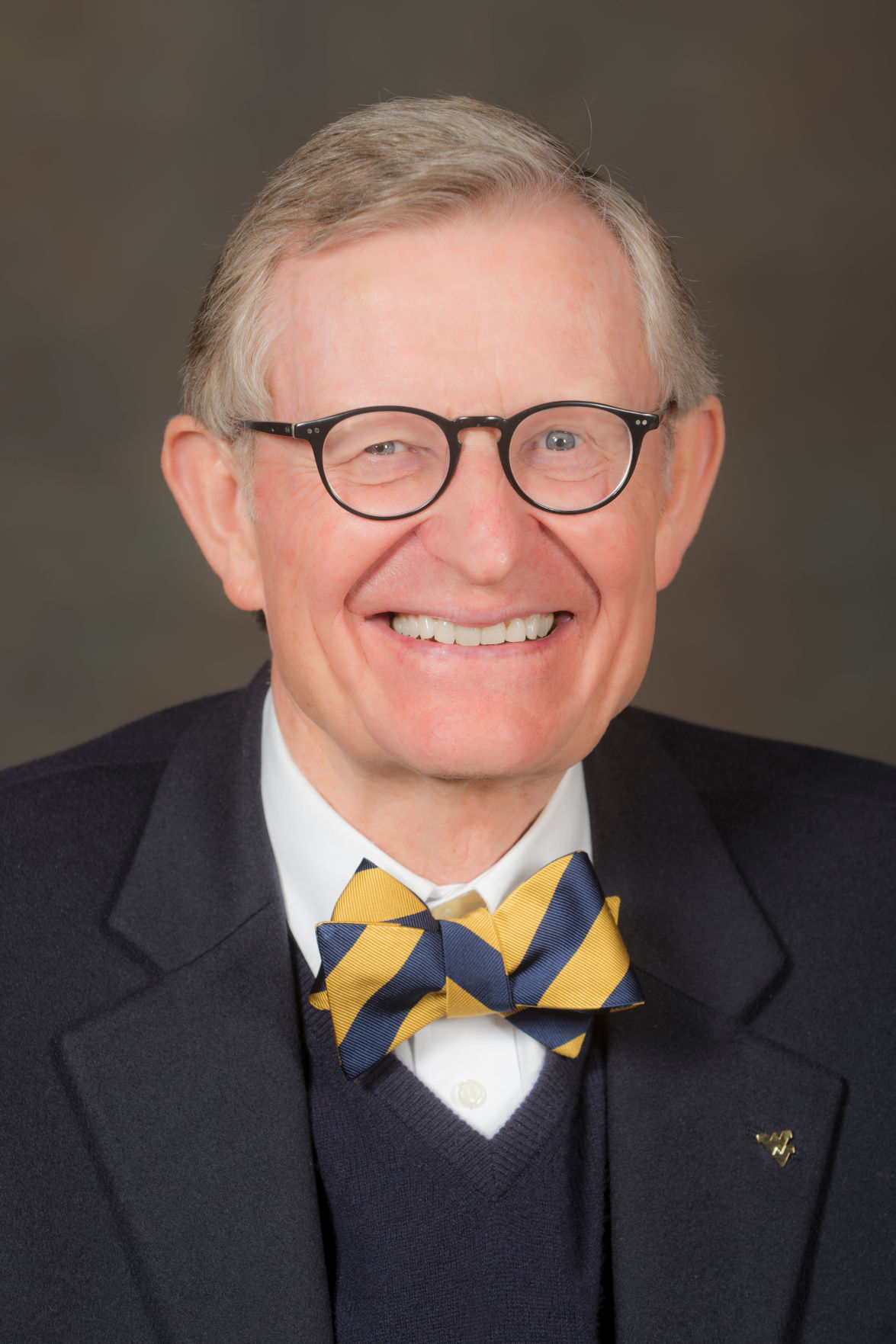 E. Gordon Gee headshot.