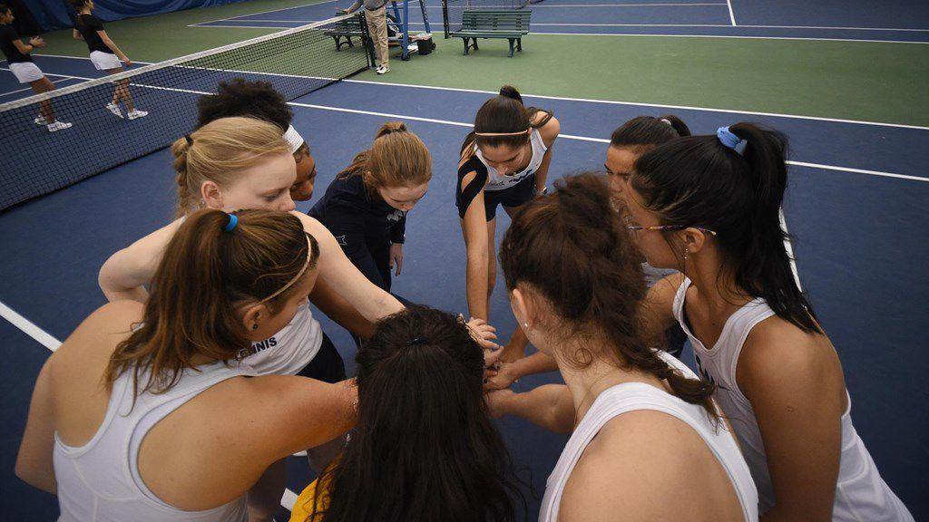 tennis huddle