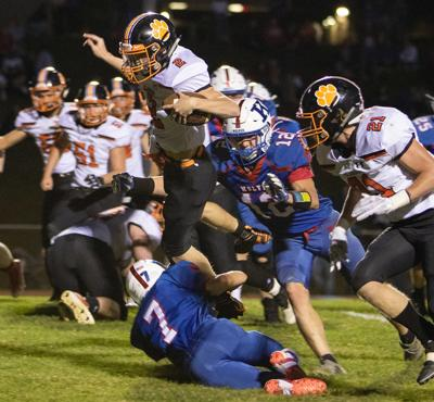Bobcats tame Wolves to move to 6-0