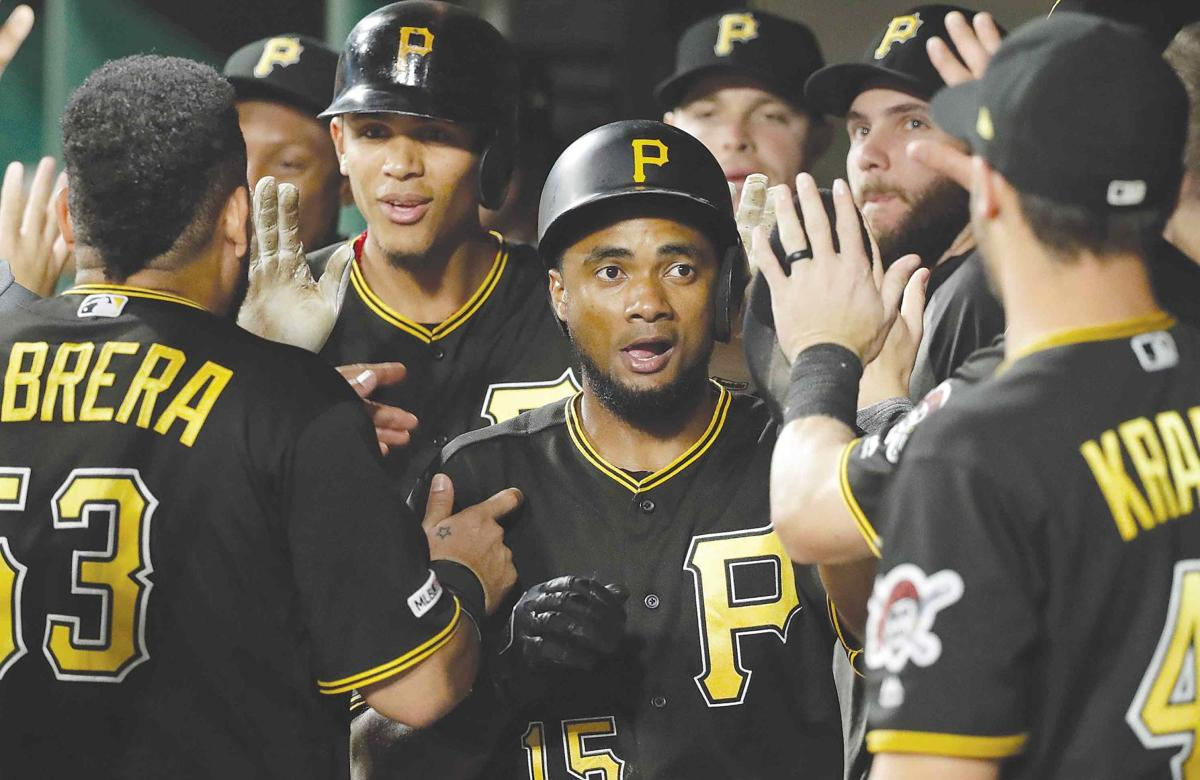 Pirates double-up Cubs