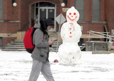 Snowmen popping up in Franklin