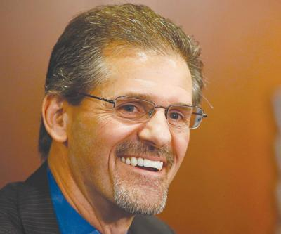Penguins hire Hextall as new GM