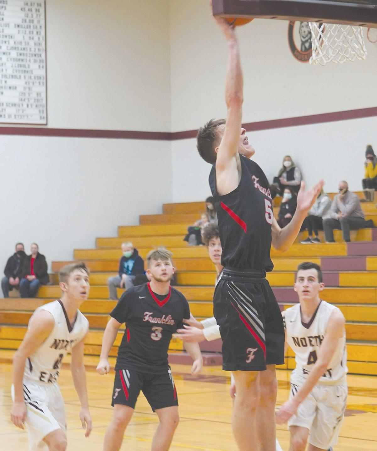 Knights drain 17 treys in 88-58 rout of Grape Pickers