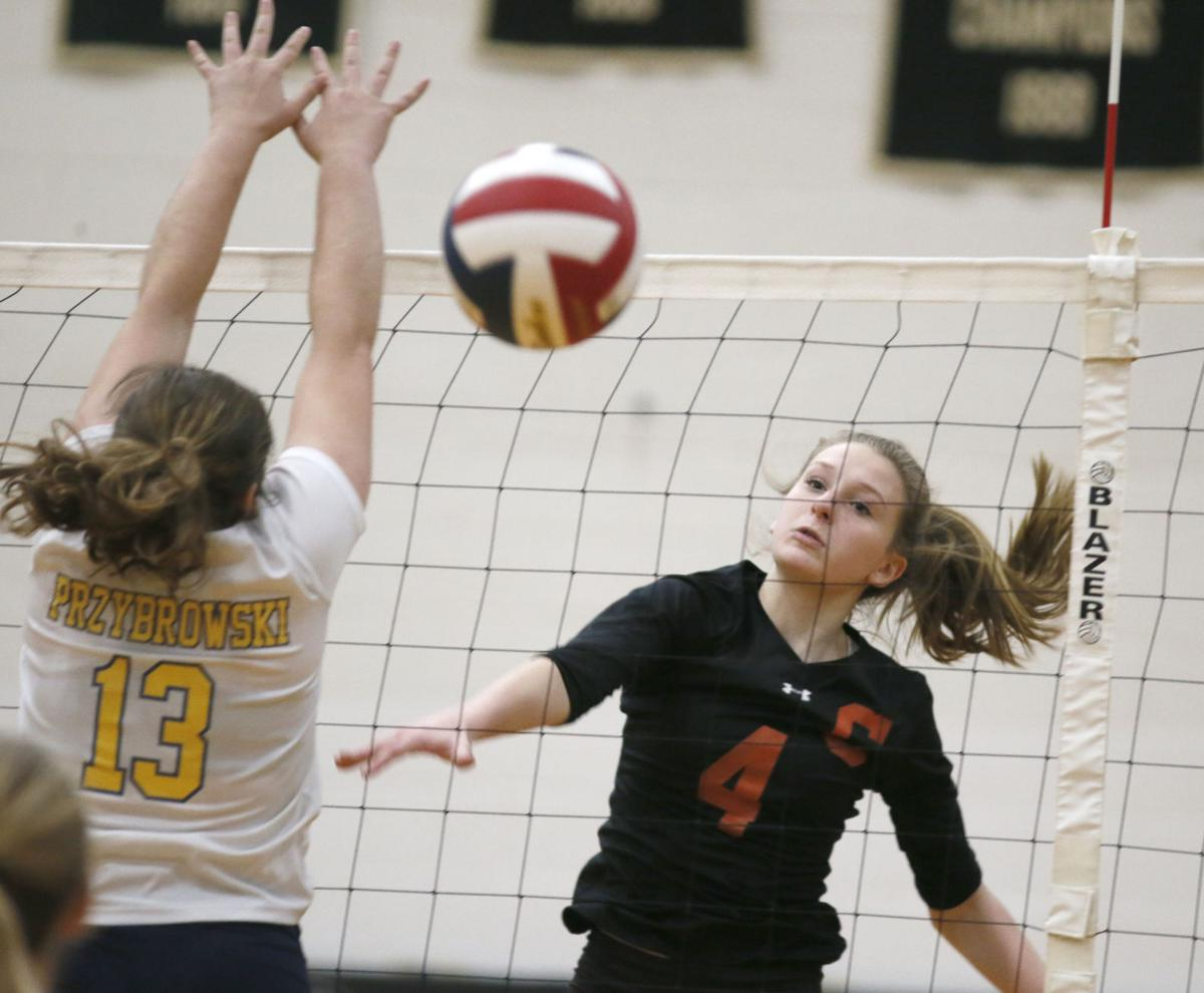 Clarion volleyball team advances