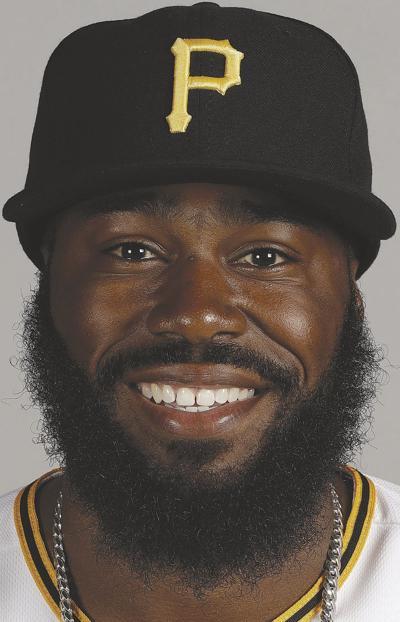 Pirates decline options on Harrison, Kang