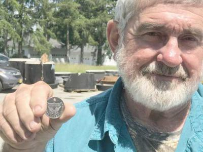 Knox man recovers WWI Victory Liberty Loan medal