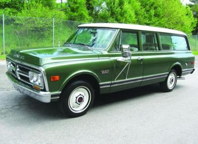 CLASSIC CARS: 'Decked out' 1972 Suburban shows no signs of wear and tear