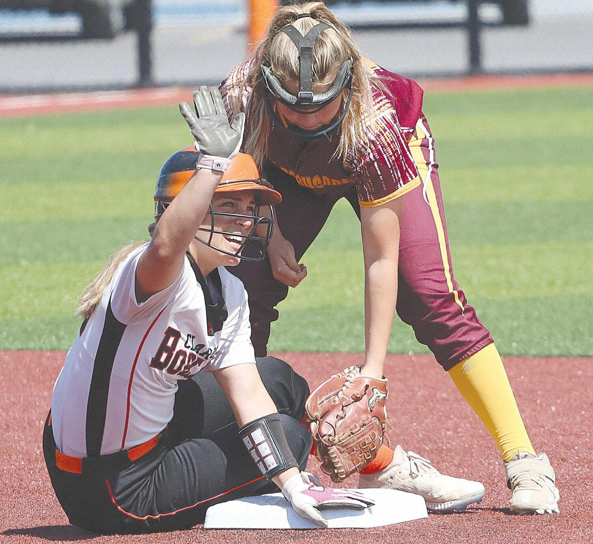 Bobcats stay alive with 13-1 romp
