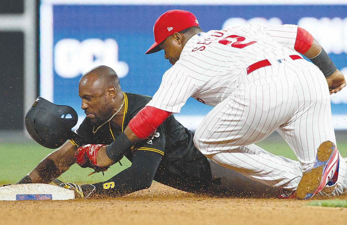 Phils rally to beat Bucs