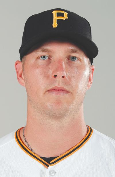 Pirates deal Dickerson to cross-state rival Philadelphia