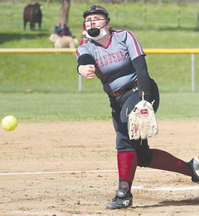 Reynolds, Hogue shine in Berries' win