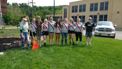 Soccer team helps out in Franklin