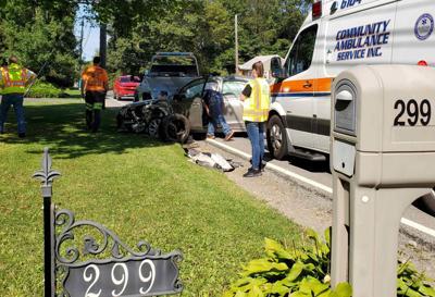 2 hurt in Bredinsburg crash