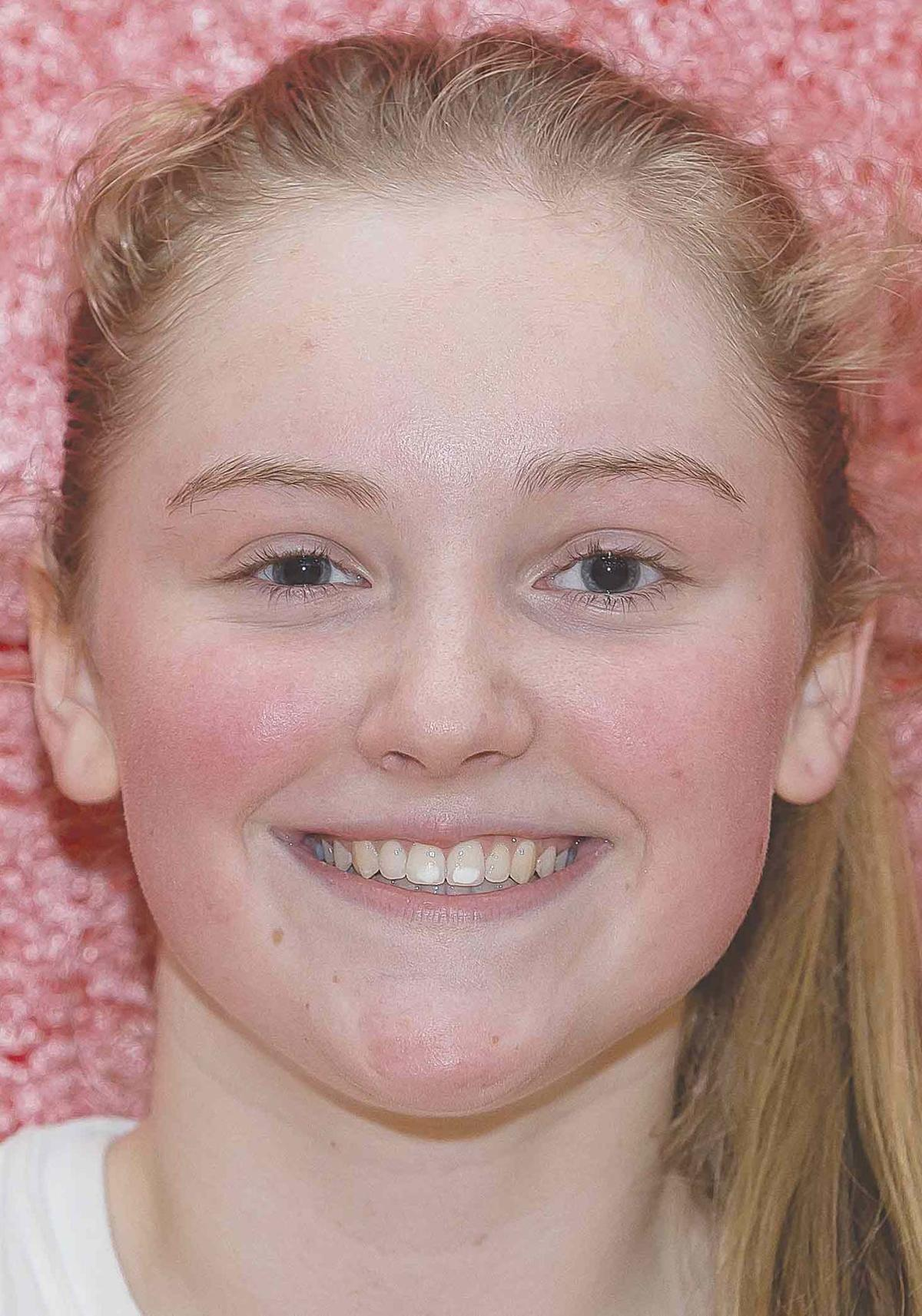 Egli's triple-double powers Cards to sixth straight