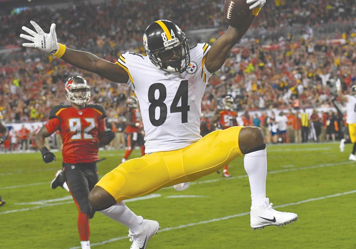 Steelers survive Bucs' rally